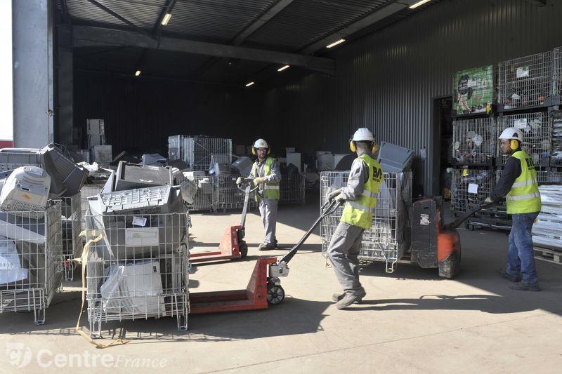 Environnement recycling voit plus loin