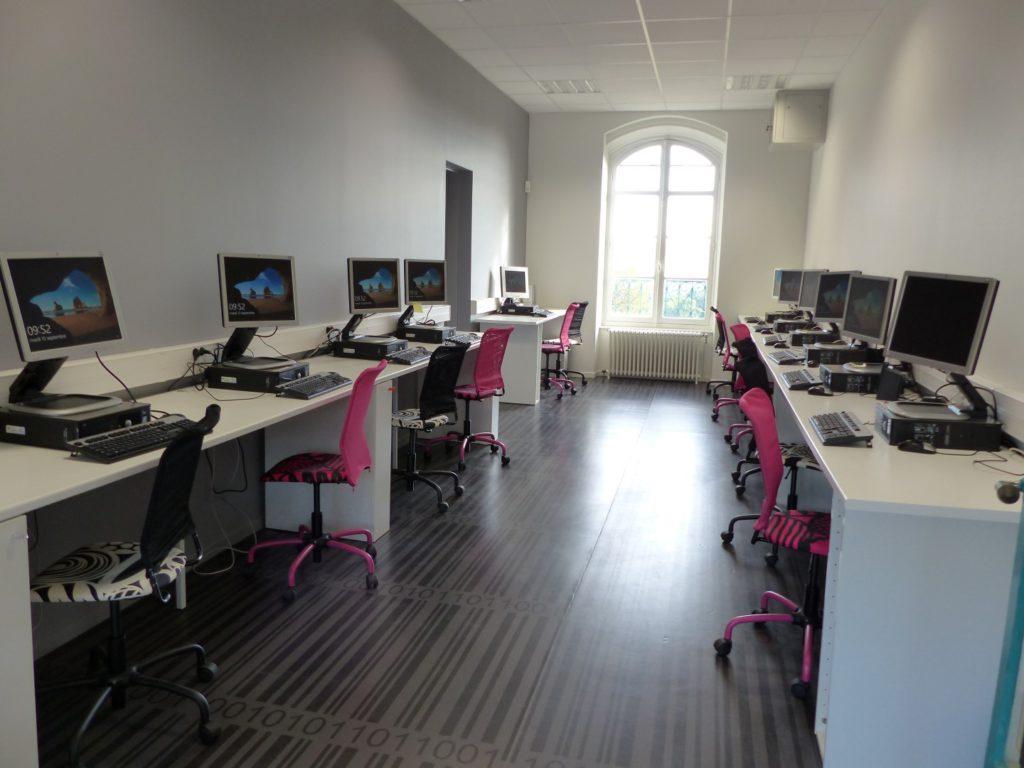 Mise à niveau de la salle informatique du Centre Social et Rural de Vicomte Paillhou